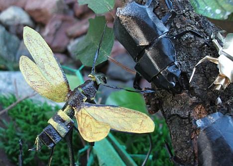 Kiriorigami insect --