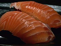 Artificial blood vessels made from salmon skin ---