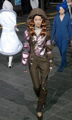 Spacewear fashion show: looking fly in zero-g ::: Pink Tentacle