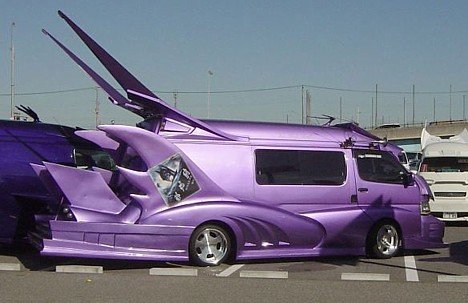 Vehicles : A few more extreme Japanese vans from a variety of sites